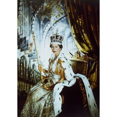 On September 9 Queen Elizabeth II will become the longest reigning monarch in British history. Which Queen are you? The Coronation Queen, Young Mum Queen, Dog Loving Queen or Empire Queen? Blog Art, Princesa Kate, Cecil Beaton, Isabel Ii, Her Majesty The Queen, Queen Of England, Royal Jewelry, Save The Queen, 1950s
