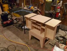 Patrol Box, Camp Kitchens and Such Camping Chuck Box, Camping Box, Truck Camping, Van Camping, Camping Survival, Outdoor Survival, Camping Gear, Camping Hacks, Outdoor Camping