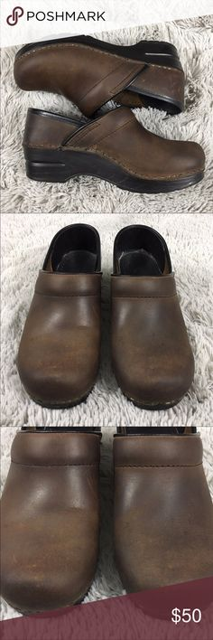 Dansko Antique Oiled Brown Leather Clogs Size 36 (6)  Good used condition Dansko Shoes Mules & Clogs