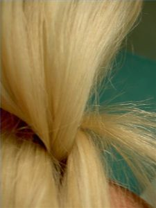 Many blondes know the feeling of looking in the mirror after swimming in a pool and seeing a light green hue cast over their beautiful blonde locks. Many people believe blonde hair turns green from the chlorine in the pool, but that is not. Blonde Hair Turned Green, Hair Pigmentation, Fried Hair, Prevent Grey Hair, Dry Hair Treatment, Best Hair Care Products, Hair Vitamins, Best Shampoos, Green Hair