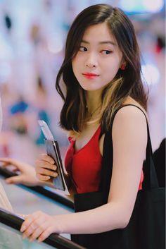 Kpop Girl Groups, Korean Girl Groups, Kpop Girls, My Baby Girl, New Girl, Golden Family, Korean Princess, Rapper, Ulzzang Korean Girl