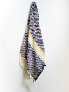 Beltestakk, Bunad Blanket. Pattern and color in throw