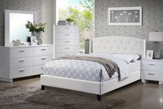 Classic Beautiful Bedroom Furniture Set White Queen Size Bed w Tufted HB Dresser Mirror Nightstand Relax Bonded Leather Panel Insert Bedframe Master Bedroom Set, Queen Bedroom, Bedroom Sets, Bedroom 2017, Mansion Bedroom, Bedroom Decor, Leather King Size Bed, Leather Bed Frame, Queen Platform Bed