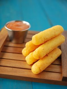 ☀Surullitos (Cheese Corn Sticks): a Puerto Rican tradition!☀Hubster loves these! Puerto Rican Dishes, Puerto Rican Cuisine, Puerto Rican Recipes, Plats Latinos, Comida Boricua, Puerto Rico Food, Comida Latina, Latin Food, Puerto Ricans