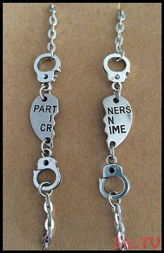This listing is for a 2 bracelet set perfect for partners in crime Each bracelet measures 7 inches but can be altered on request. Please convo me to let me know if you would like any variations Bff Necklaces, Best Friend Necklaces, Best Friend Jewelry, Friendship Necklaces, Bestfriend Necklaces For 2, Friend Rings, Sister Necklace, Sister Jewelry, Couple Necklaces