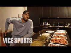 What do you think this Eating Congolese Food with Serge Ibaka of the Toronto Raptors video? Chicken Breast Recipes Healthy, Healthy Dinner Recipes, Curry 3, Congo Brazzaville, Serge Ibaka, One Dish Dinners, Green Beans And Tomatoes, Recipe From Scratch, Toronto Raptors