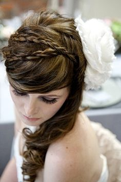 Bride's half up braided bridal #hair ideas ToniK #Wedding #Hairstyles ♥ ❷ side flower