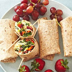 Greens and Bacon Omelet Wraps: You'll get 13 g of fiber and 22 g of protein with this low-cal breakfast wrap. Collard greens or Swiss chard can replace the kale to cut this recipe's cost. Cheap Healthy Breakfast, Breakfast On A Budget, Breakfast Wraps, Healthy Snacks, Healthy Eating, Healthy Recipes, Healthy Breakfasts, Breakfast Ideas, Breakfast Omelette