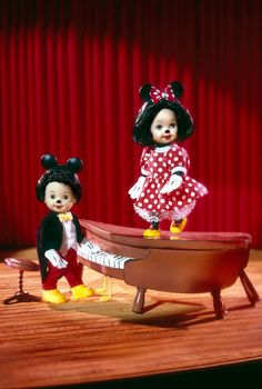 Tommy™ and Kelly® dressed as Mickey & Minnie  Collector Edition  Release Date: 6/1/2002