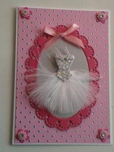 Roze meisjeskaart met prinsessenjurk.