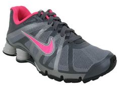 I wear these with my pink lock laces :) #nikeshoes #nikerunning #running #runningshoes