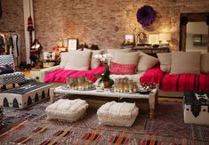 Sigh! How cosy is this living room... I wish mine looked like this..