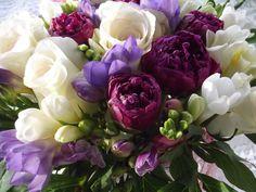 bouquet fresie e peonie