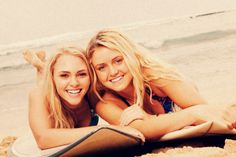 Soul Surfer bethany hamilton and alana blanchard (aka annasophia robb in this pic) Movies Showing, Movies And Tv Shows, Bethany Hamilton, Alana Blanchard, Soul Surfer, Best Friends Forever, Celebs, Celebrities, Good Movies