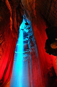 Ruby Falls  Rock city Tn 091 by Valerie Everett, via Flickr