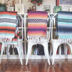 Classic Mexican Blanket great for yoga, beach, park or home accent. Mexican Blanket Decor, Mexican Home Decor, Mexican Blankets, Mexican Bedroom, Fachada Colonial, Wicker Headboard, Western Homes, Cheap Home Decor, Home Accents