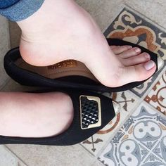 Cute Toes, Pretty Toes, Feet Soles, Women's Feet, Sexy Sandals, Ankle Strap Sandals, Brian Atwood Shoes, Foot Socks, Beautiful Toes