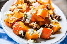 Healthy Recipes Oven squash with feta, walnuts & honey Good Food, Yummy Food, Tasty, Veggie Recipes, Healthy Recipes, Clean Eating, Healthy Eating, Healthy Food, Food Charts