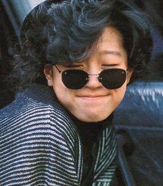 中森明菜 Round Sunglasses, Mens Sunglasses, 80s Fashion, Womens Fashion, Aesthetic Japan, If I Stay, How To Look Better, Faces, Kawaii