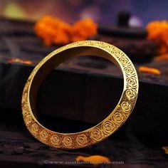 Gold Bangle designs from Manubhai Jewellers, Gold Bangle latest pictures, Gold Bangles latest images, Gold Designer Bangles.