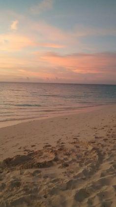 Sunset Beach, Pastel Sunset, Pretty Sky, Beautiful Sky, Beautiful World, Aesthetic Iphone Wallpaper, Aesthetic Wallpapers, Beach Aesthetic, Sunset Wallpaper