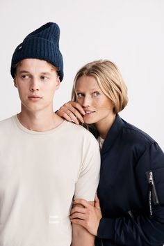Model siblings Toni and Niklas Garrn unveil their genderless capsule collection, EQL. Brother Sister Photography, Sister Poses, Sibling Poses, Toni Garrn, Studio Photography Poses, Couple Photography, Colorfull Background, Oversize Mantel, Models