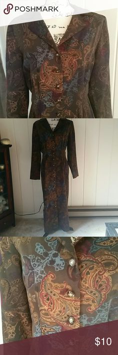 """Maxi Dress Nice rich colors in this like new maxi dress. This would look adorable with a pair of boots for the cooler months. Timeless style. 100% polyester with shoulder pads (easily removed) 53"""" from shoulder to hem Danny & Nicole Dresses"""