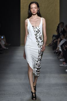 Narciso Rodriguez Spring 2016 Look 32