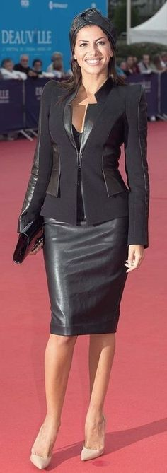 Different Styles, Leather Skirts, Fall Outfits, Conservative Dress, Dresses, Fashion, Moda Femenina, Sexy Wife, Boots