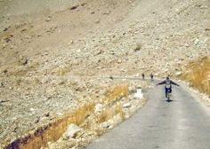 Cycling down from Nako(3663m) in Spiti Valley