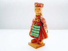 Vintage wooden Doll in Lithuanian Folk Costume