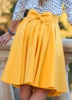 This pure color pleated skirt is more and more popular,that is not only little girls feel like to wear this style skirts,but also young women want to wear it to make themselves looked much younger,you