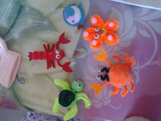 pom pom and pipe cleaner sea creatures Sea Creatures Crafts, Sea Animal Crafts, Sea Crafts, How To Make Toys, Crafts For Kids To Make, Pipe Cleaner Crafts, Pipe Cleaners, Pipe Cleaner Animals, Underwater Theme