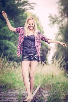 Model; Charelle Rooyackers Photographer: Bram van Dal    #beauty #lovely #female #model #Bram van Dal #bvdbv #smile #photographer #photo #shoot #portrait #portret #eye  #eyes #headshot #shoot #close-up #closeup #balans #rail #railroadtrack #blond