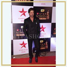 Shah Rukh Khan at Star Screen Awards 2016