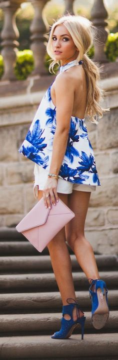 Street style , Spring floral top, white shorts, heels, clutch