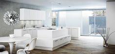 Ilmavaa ja raikkaan valkoista. A la Carte -keittiöt, Neve. Työtaso Caesarstone Premium White. | #keittiö #kitchen