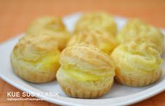 Dapur Griya Khayangan: KUE SUS KLASIK Pastry Recipes, Cake Recipes, Cooking Recipes, Pastry And Bakery, Pastry Cake, Choux Pastry, Puff And Pie, Asian Cake, Resep Cake