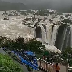 10 Greatest Waterfalls in the World - Tour To Planet Beautiful Nature Scenes, Beautiful Photos Of Nature, Amazing Nature, Beautiful Landscapes, Amazing Places On Earth, Beautiful Places To Travel, Cool Places To Visit, Famous Waterfalls, Beautiful Waterfalls