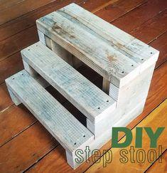 Wooden Pallet Projects, Diy Furniture Plans Wood Projects, Diy Outdoor Furniture, Woodworking Projects Diy, 2x4 Furniture, Diy Stool, Step Stools, Outdoor Steps, Wood Steps