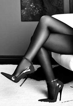 Top thighboot heels pantyhose fetish