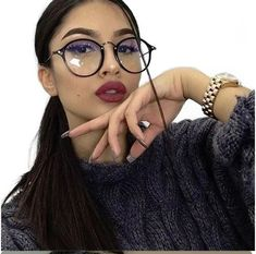 16 glam makeups that you can combine with casual outfits- 16 Maquillajes glam que puedes combinar con outfits casuales 16 glam makeups that you can combine with casual outfits - Cute Glasses, Girls With Glasses, Glasses Frames, Girl Glasses, Beauty Makeup, Eye Makeup, Retro Makeup, Hair Makeup, Cat Eye Colors