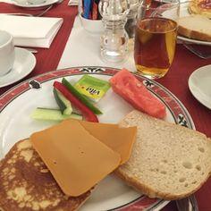 Min verden i tekst og bilder: 17.mai frokosten i Rokokko-salen
