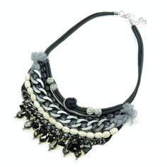 5800f7f33f74 Collar Fancy en color negro con abalorios.  eljoyerodepaula  tiendaonline   moda  tendencias