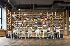 DITTELによるパノラマBROT&KAFFEE | ARCHITEKTEN、シュトゥットガルト、ドイツのカフェベーカリー