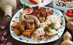 Batata do pai ao molho do filho, linguiça de queijo, filézinho flambado, carne de torresmo e mousse de pimenta. No Butiquim DuFilho Em Belo Horizonte, comida de bar é celebrada como alta gastronomia - Receitas - iG