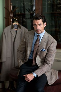 David Gandy for Henry Poole A/W 2014 ~ David James Gandy David Gandy, Sharp Dressed Man, Well Dressed Men, Trajes Business Casual, Poses Modelo, Classic Men, Cocktail Attire, Herren Outfit, Bespoke Tailoring