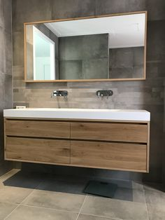 Badezimmerideen Badezimmermöbel Doppelwaschbecken – Maek Furniture – – … Breaking the Home Theater S Bathroom Splashback, Wc Bathroom, French Bathroom, Fitted Bathroom, Best Bathroom Vanities, Diy Bathroom Decor, Bathroom Interior Design, Bathroom Furniture, Modern Bathroom