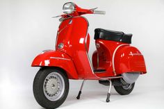 Best Vespa i've ever seen. I love RED. See more perfect scooter from G… Best Vespa i've ever seen. I love RED. See more perfect scooter from Green Tree Scooters Red Vespa, Vespa Ape, Piaggio Vespa, Lambretta Scooter, Vespa Scooters, Scooter Shop, Mod Scooter, Best Scooter, Quad