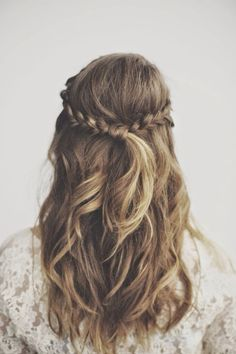 braided curly hair - perfect for prom or casual hairstyle - cute